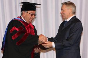 With the president of the Chamber of Commerce and Industry of the Russian Federation, the Academician, a member of the Presidium of the Russian Academy of Sciences, the honorary doctor of the RUDN, Evgeny Maximovich Primakov